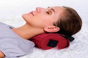 不正当的睡姿也可以引发颈椎病 你知道吗